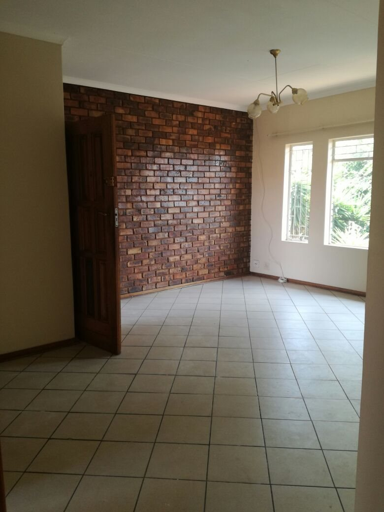 Zwartkop property for sale. Ref No: 13555163. Picture no 3