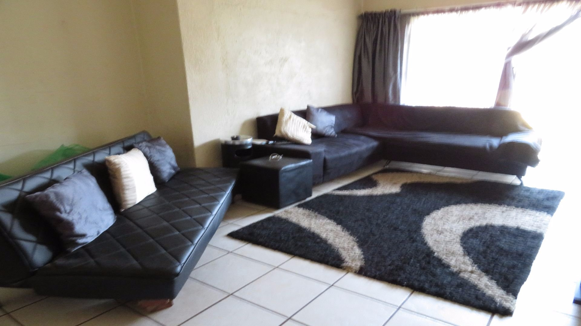 Greenhills property for sale. Ref No: 13526123. Picture no 8