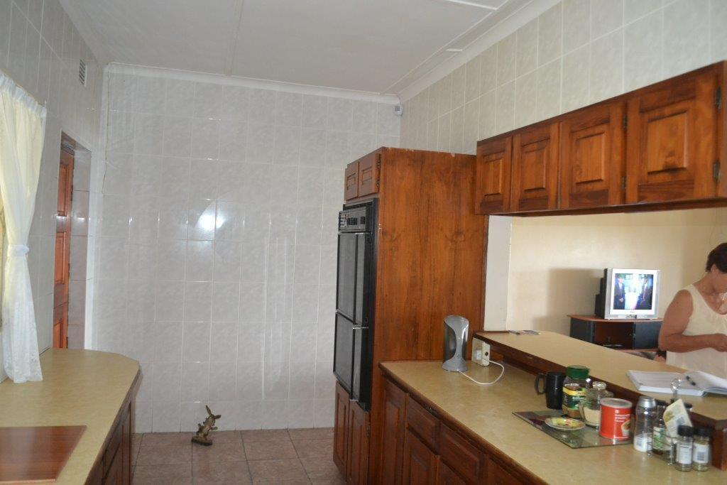 Woodgrange property for sale. Ref No: 13436082. Picture no 9