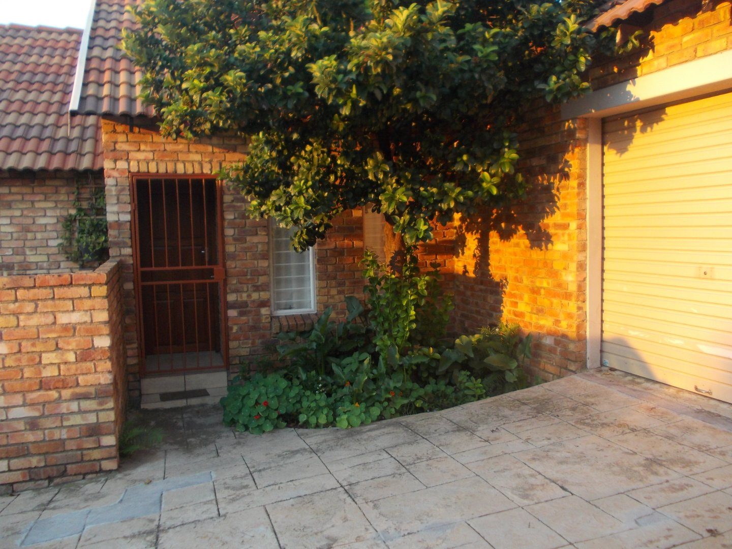 Property and Houses for sale in Brooklands Lifestyle Estate, Townhouse, 2 Bedrooms - ZAR 1,085,000