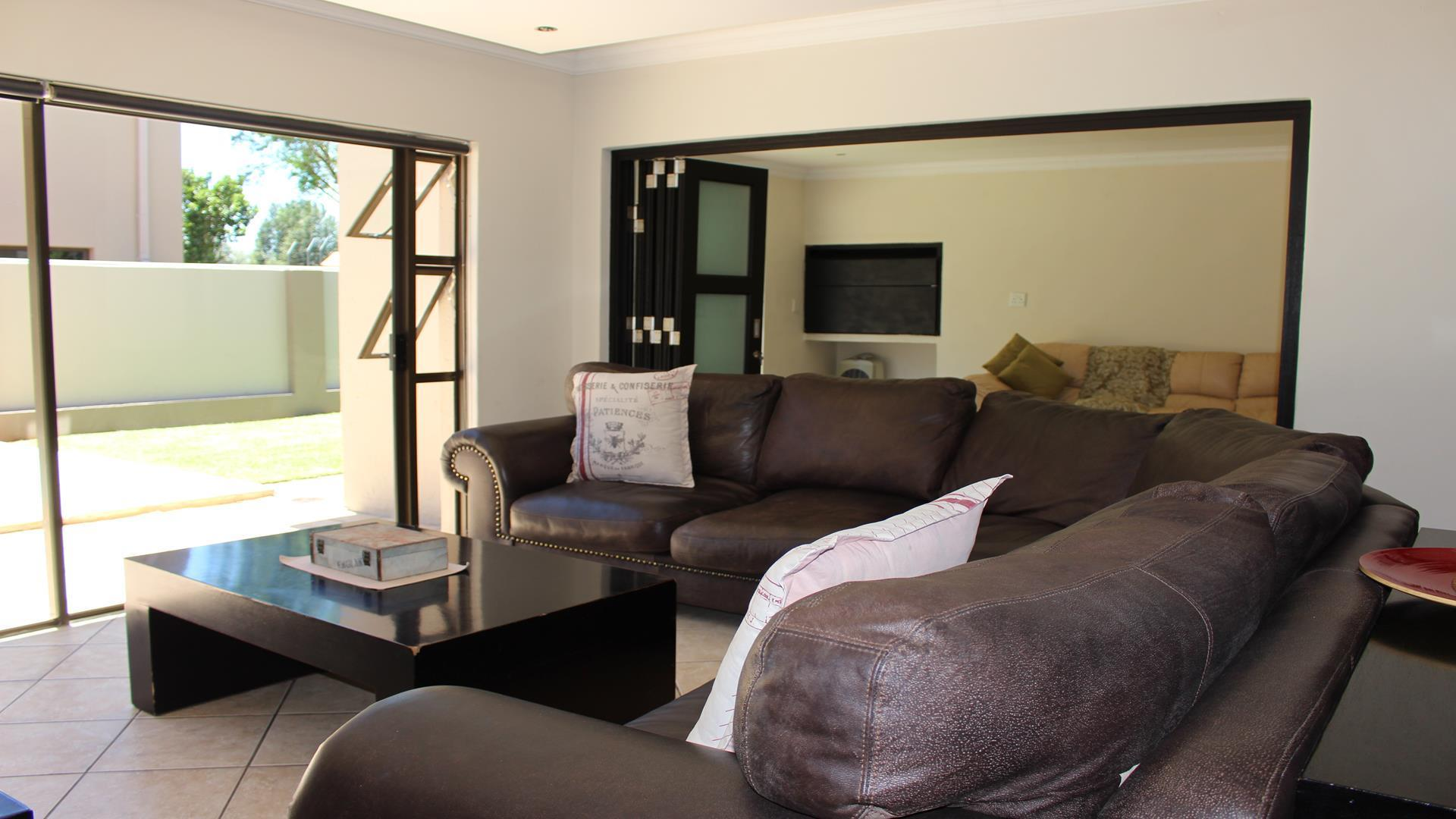 Raslouw Manor property for sale. Ref No: 13435098. Picture no 4