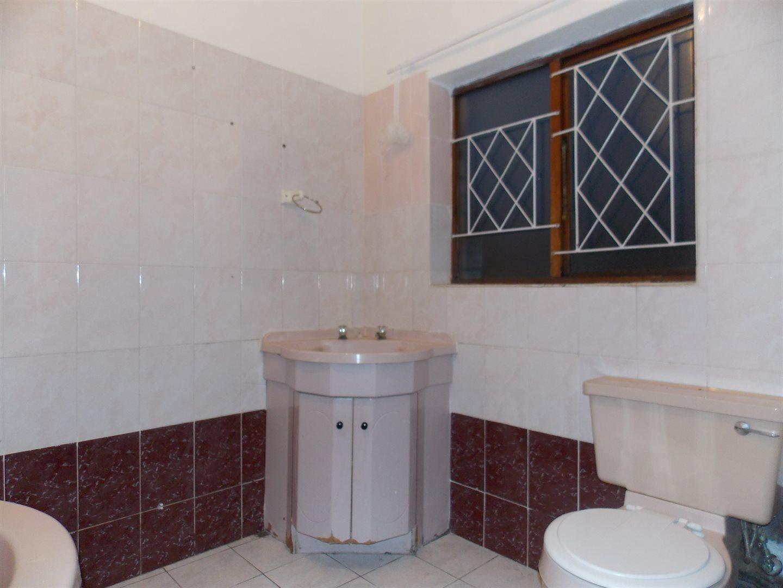 Noordsig property to rent. Ref No: 13525991. Picture no 15
