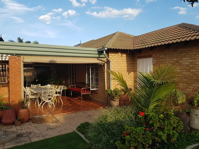 Pretoria, Moreletapark Property  | Houses For Sale Moreletapark, Moreletapark, Townhouse 3 bedrooms property for sale Price:1,700,000