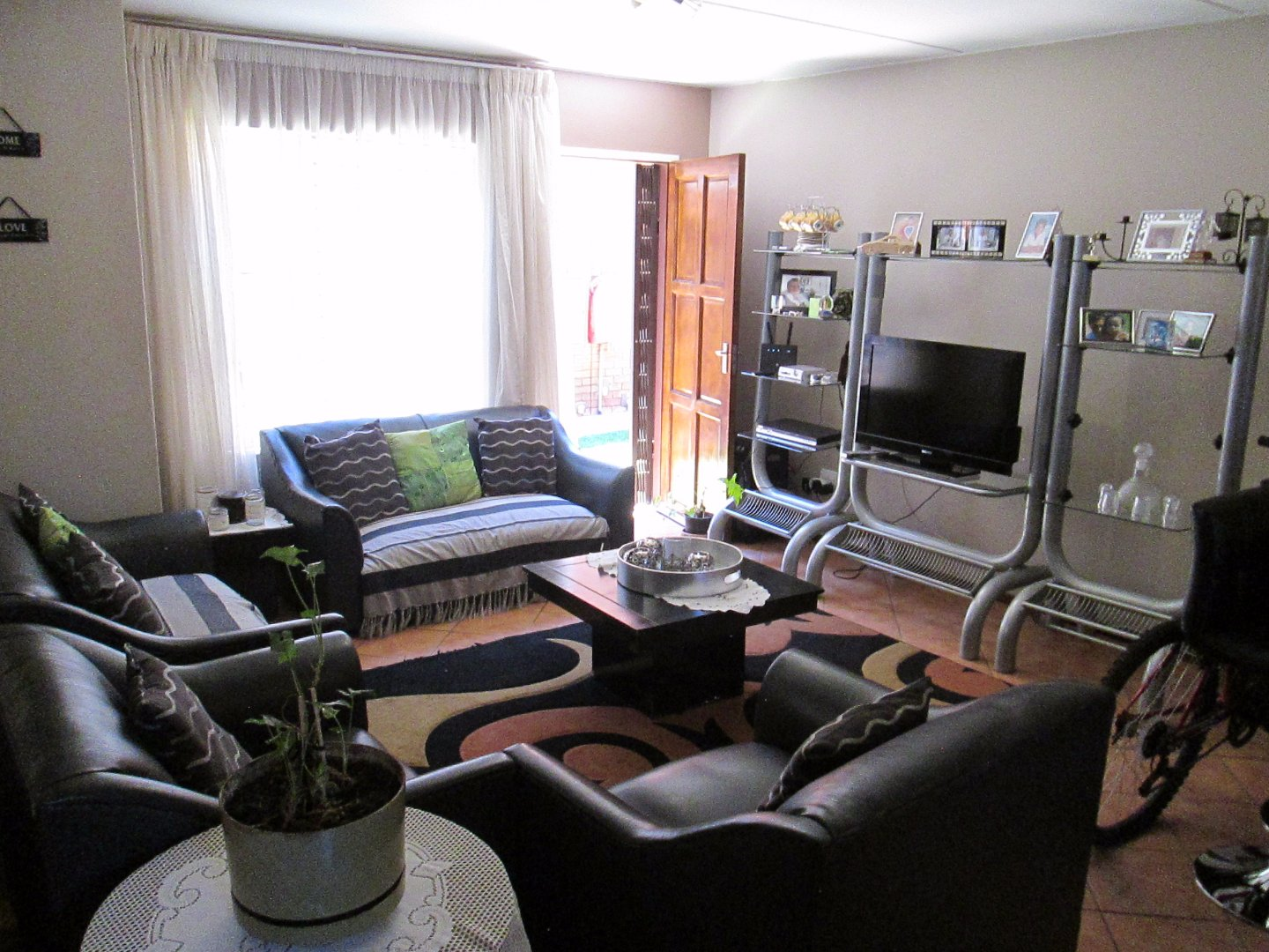 Albertsdal property for sale. Ref No: 13552410. Picture no 8