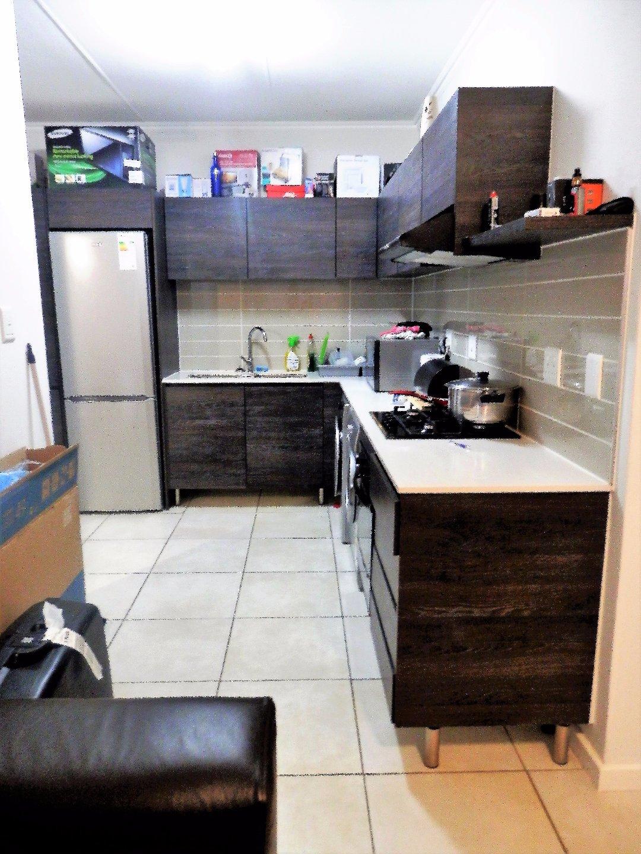 Oakdene property for sale. Ref No: 13480235. Picture no 5