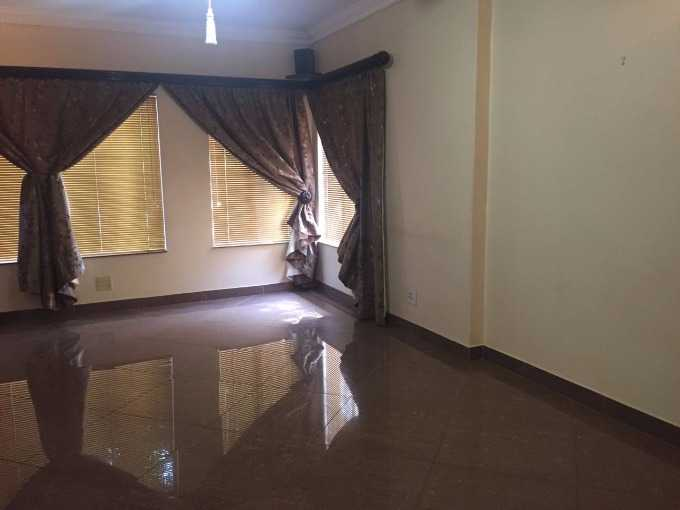 Theresapark property for sale. Ref No: 13507044. Picture no 4