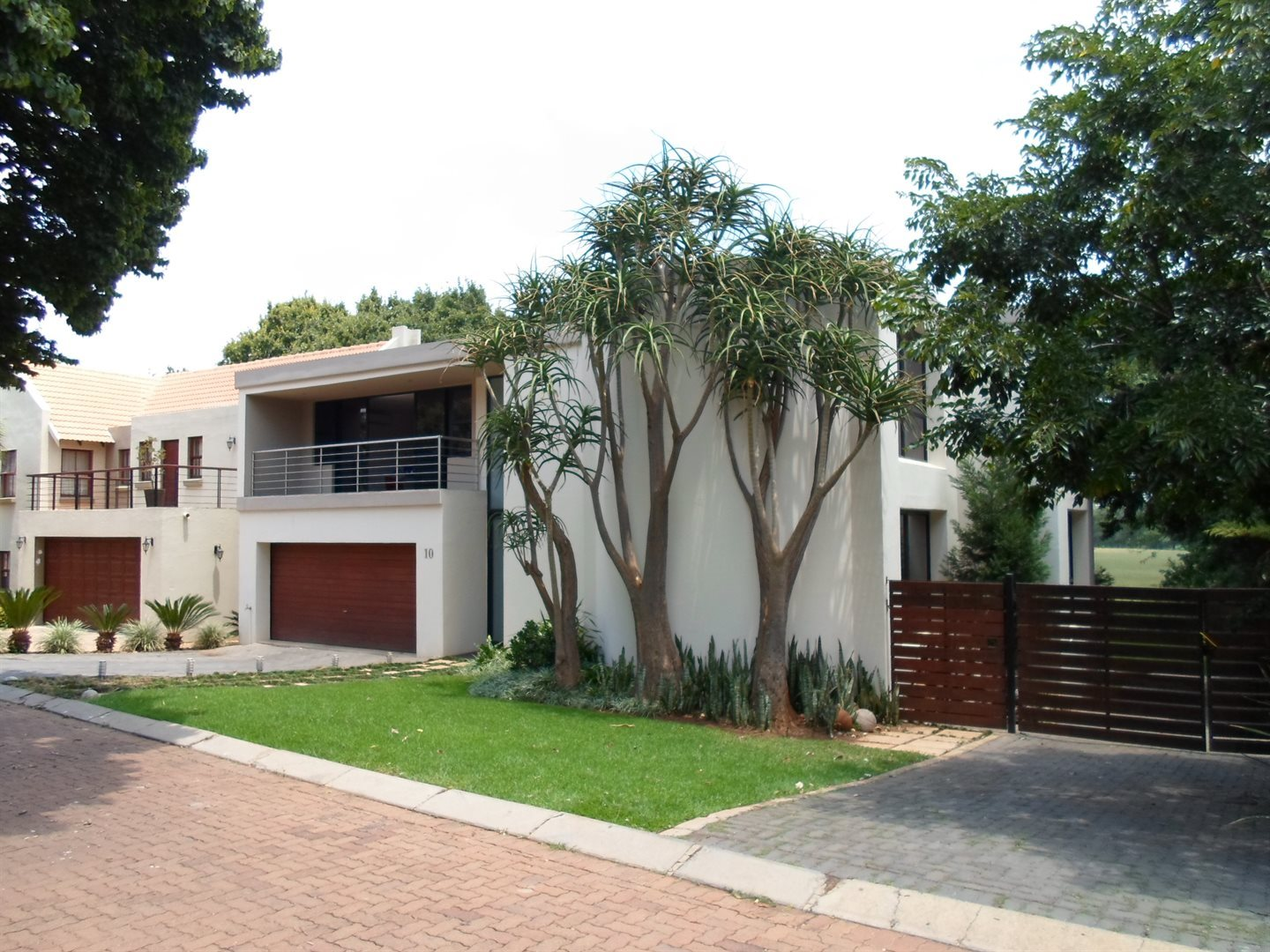 Property and Houses to rent in Centurion Golf Estate, House, 4 Bedrooms - ZAR , 32,00*,M