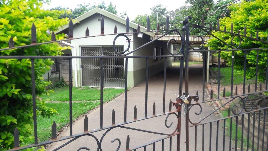 Kildare property for sale. Ref No: 13411940. Picture no 3