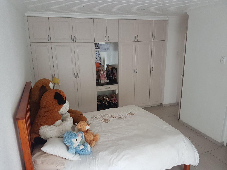 Amanzimtoti property to rent. Ref No: 13537995. Picture no 11
