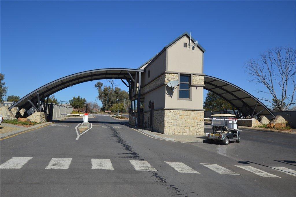 Heron Banks Golf Estate property for sale. Ref No: 13549761. Picture no 4