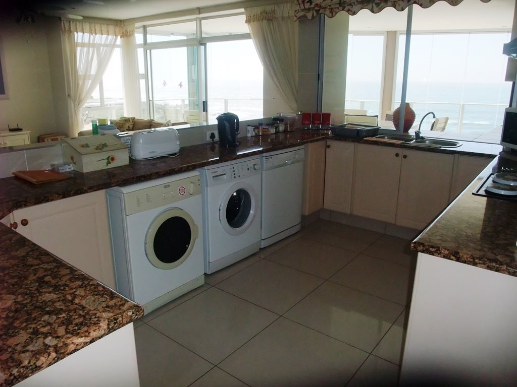 Margate property for sale. Ref No: 12775383. Picture no 13