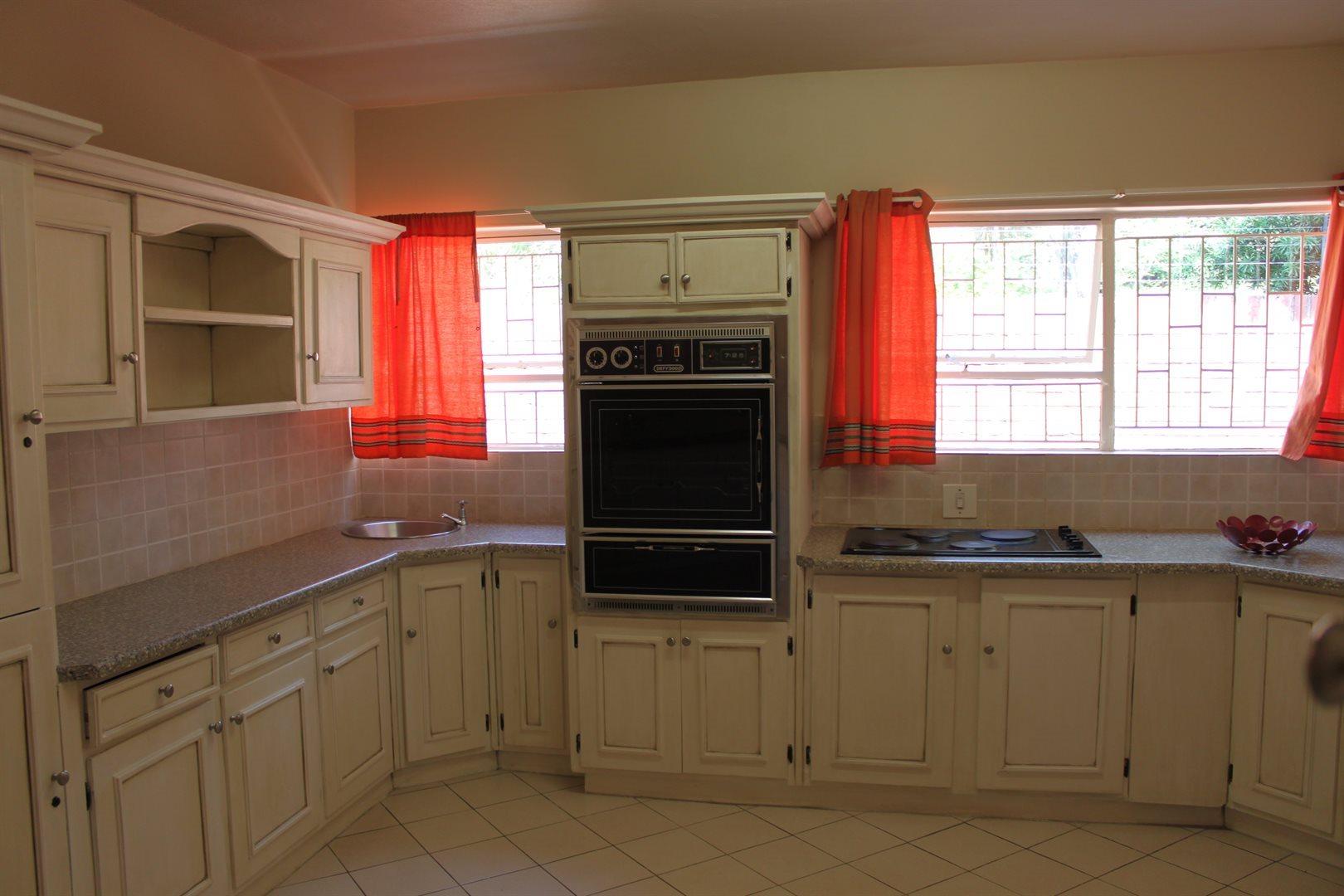 Waterkloof Ridge property to rent. Ref No: 13539553. Picture no 9