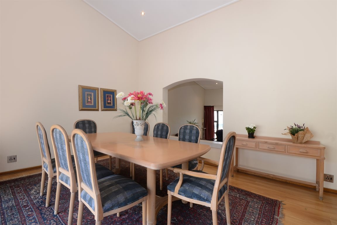 Atholl property for sale. Ref No: 13396200. Picture no 6