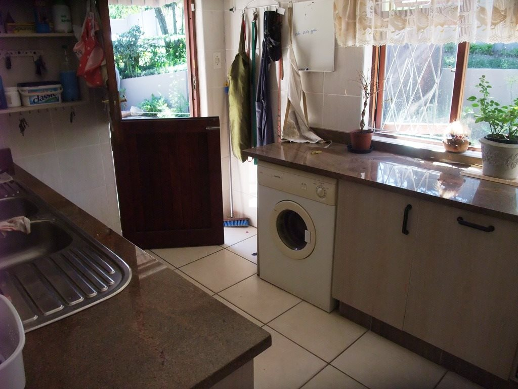 Uvongo property for sale. Ref No: 12777951. Picture no 29