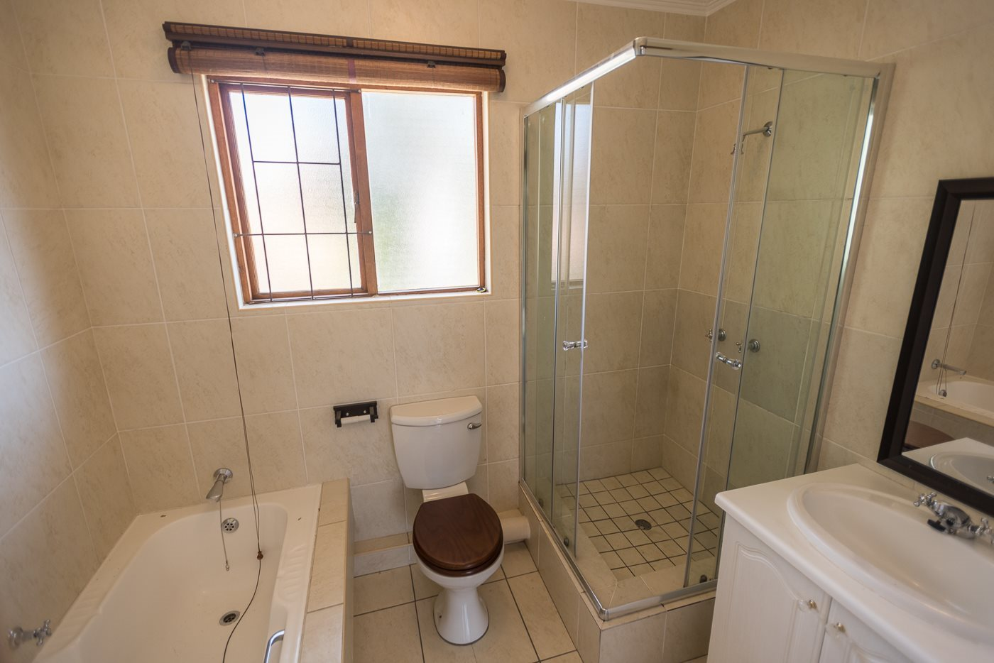 Lonehill property for sale. Ref No: 13492156. Picture no 7