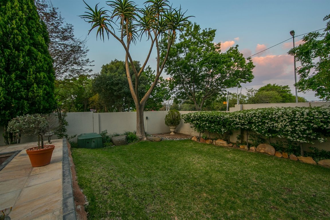 Fourways property for sale. Ref No: 13424455. Picture no 21