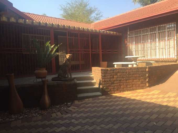 Property and Houses for sale in Ninapark, House, 4 Bedrooms - ZAR 1,980,000