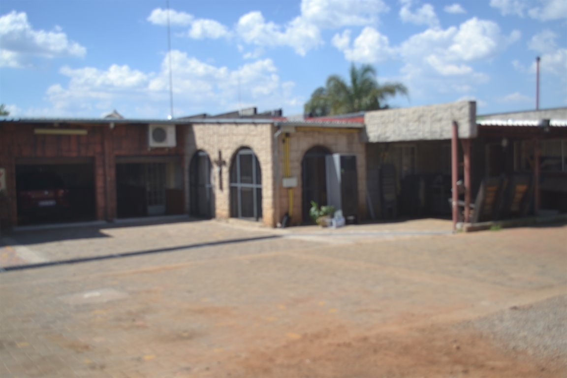 Property and Houses for sale in Raslouw, House, 18 Bedrooms - ZAR 10,300,000