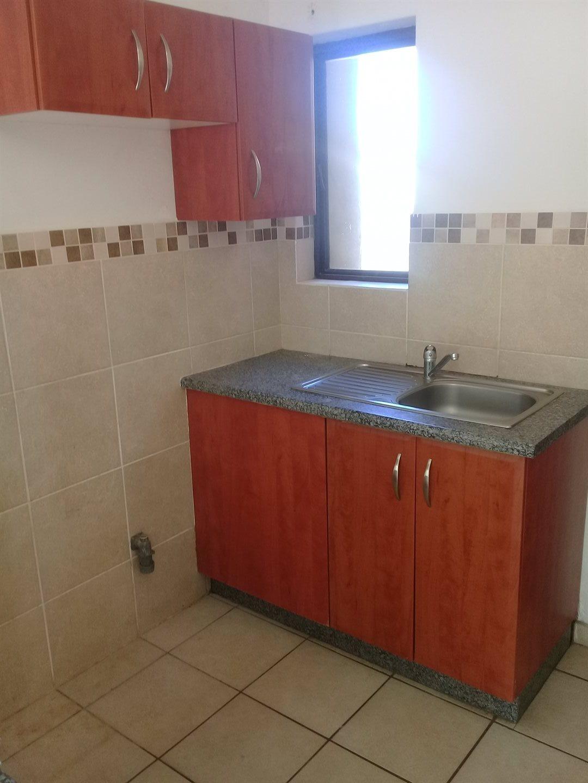 Brackenham property for sale. Ref No: 13528097. Picture no 6