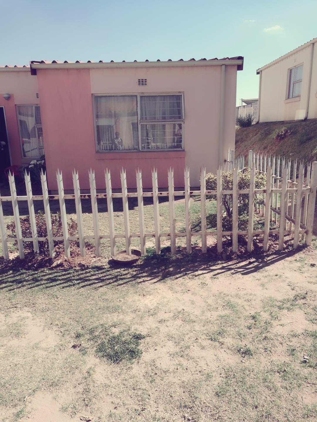 Johannesburg, Ridgeway Property  | Houses For Sale Ridgeway, Ridgeway, Townhouse 3 bedrooms property for sale Price:500,000