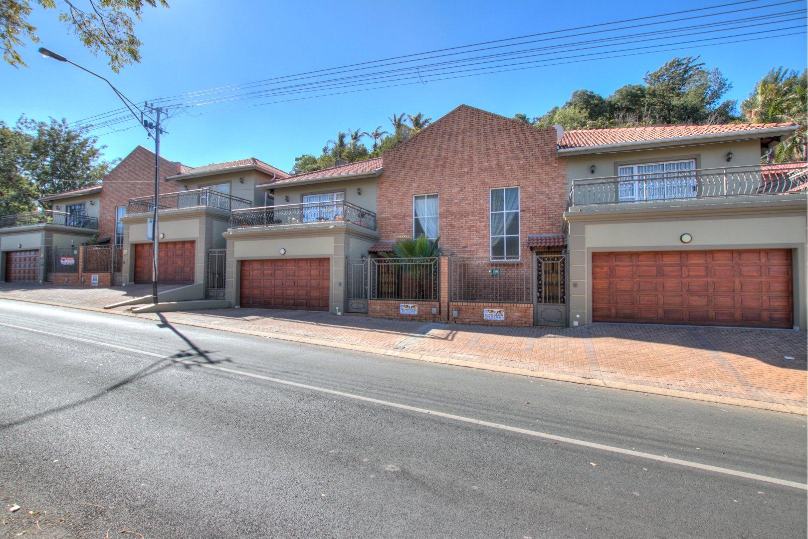 Johannesburg, Oakdene Property  | Houses To Rent Oakdene, Oakdene, Townhouse 3 bedrooms property to rent Price:, 12,00*