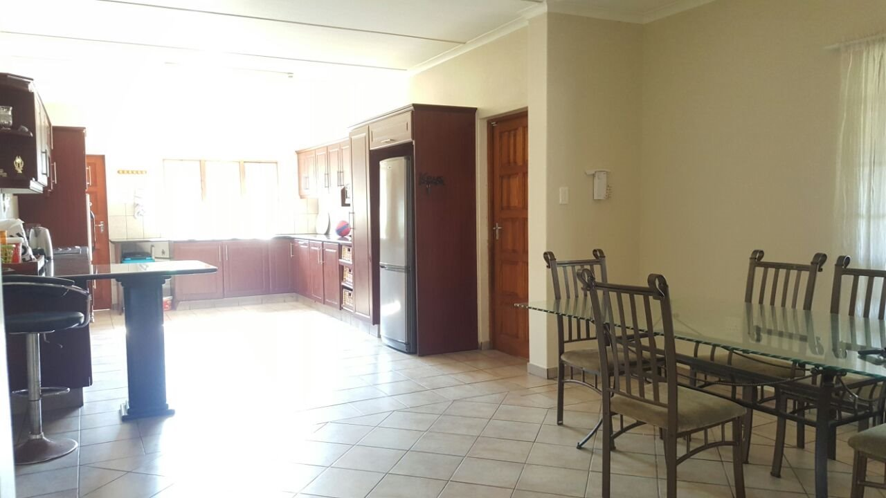 Arboretum property to rent. Ref No: 13521261. Picture no 27
