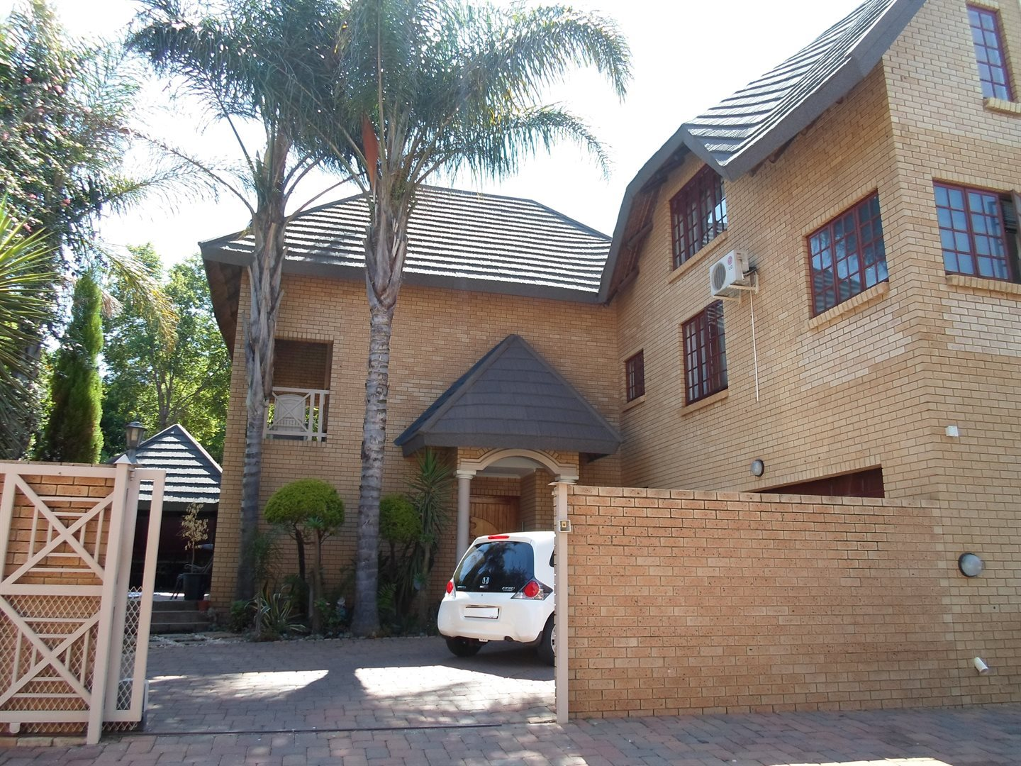 Property and Houses to rent in Centurion Golf Estate, House, 4 Bedrooms - ZAR , 25,00*,M
