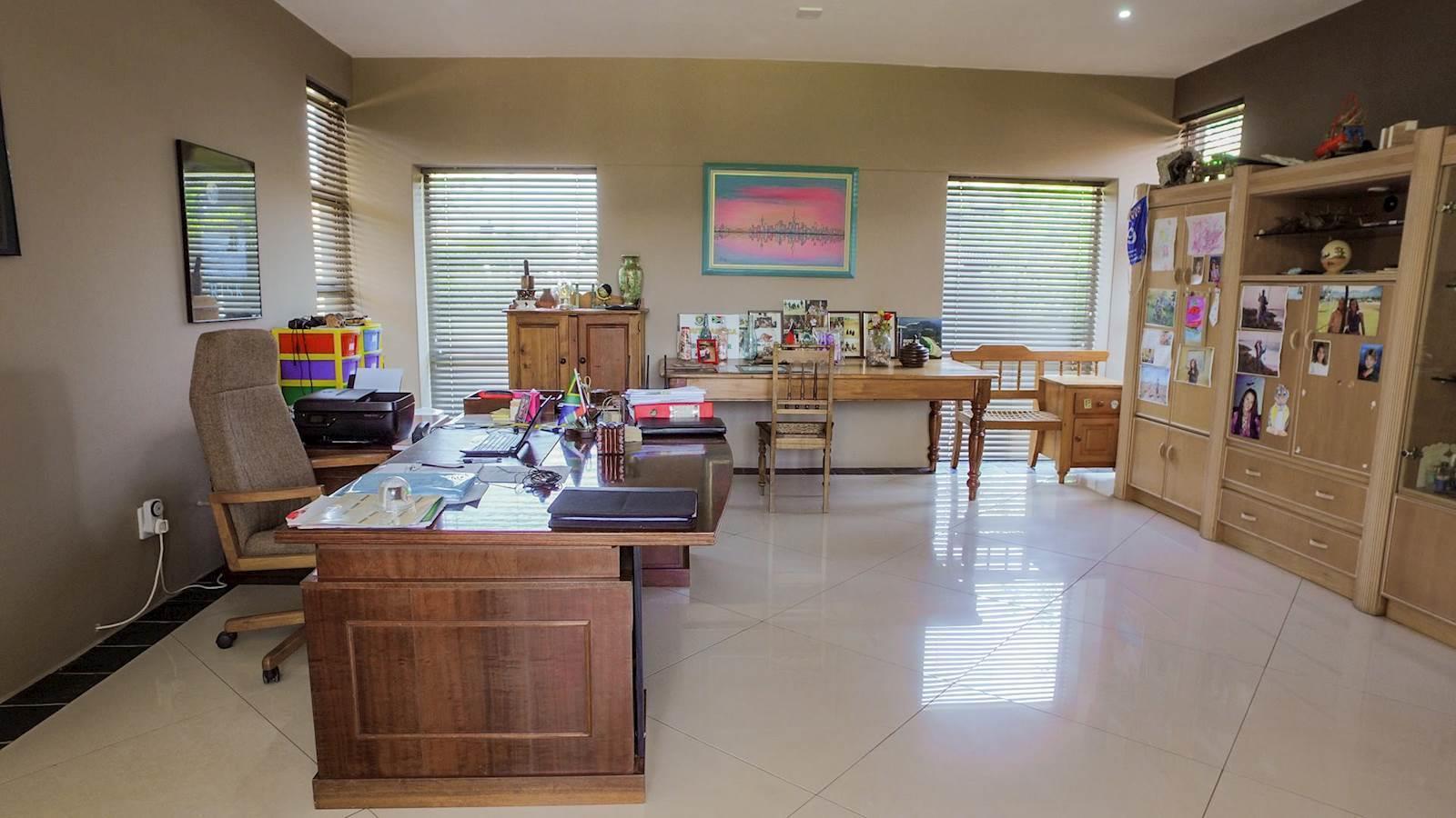 Midstream Estate property for sale. Ref No: 13435299. Picture no 6