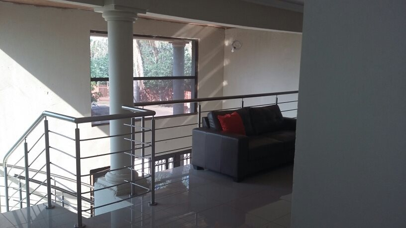 Karenpark property for sale. Ref No: 13565301. Picture no 17