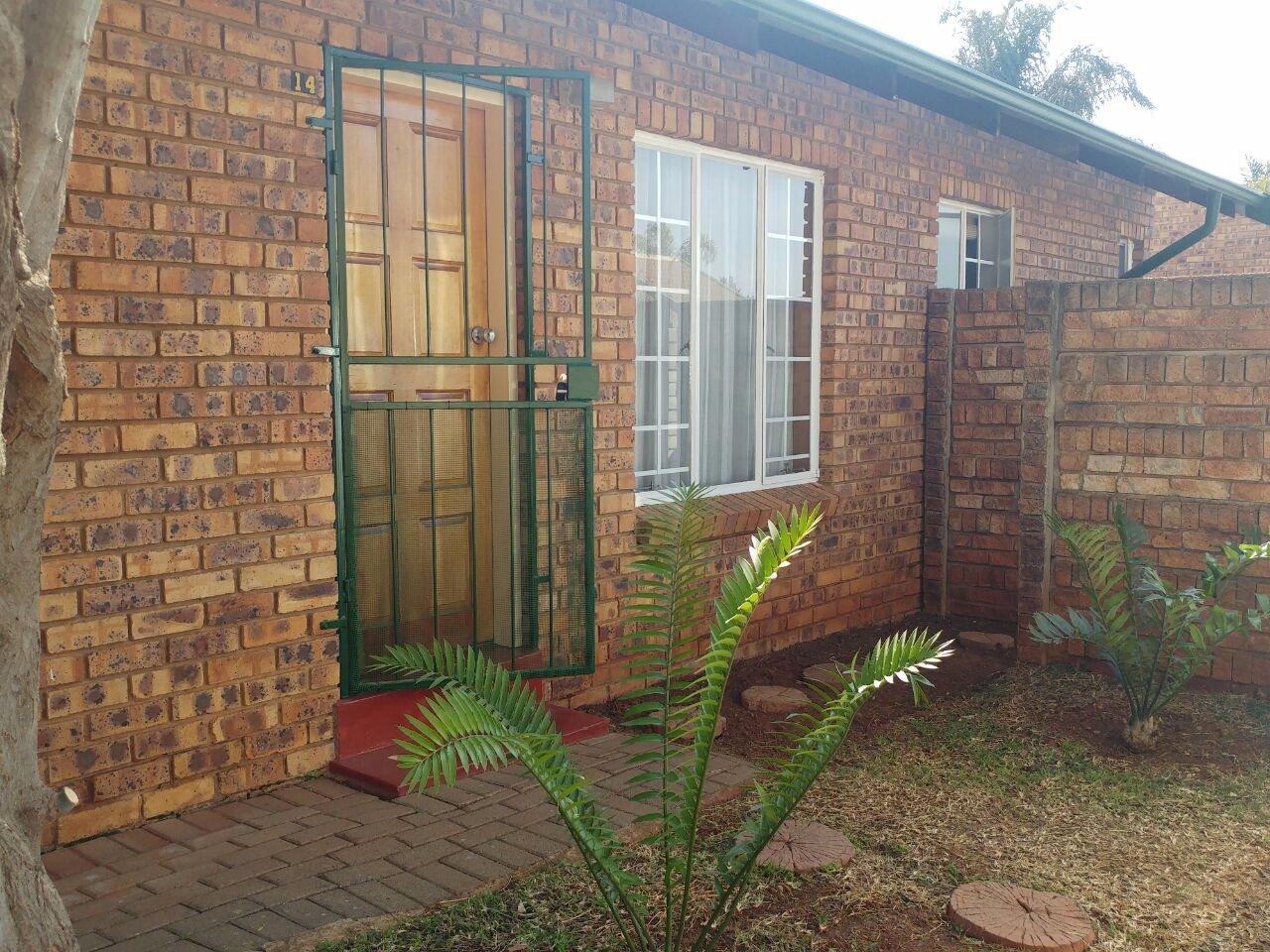 Pretoria, Moreletapark Property  | Houses For Sale Moreletapark, Moreletapark, Townhouse 2 bedrooms property for sale Price:929,000