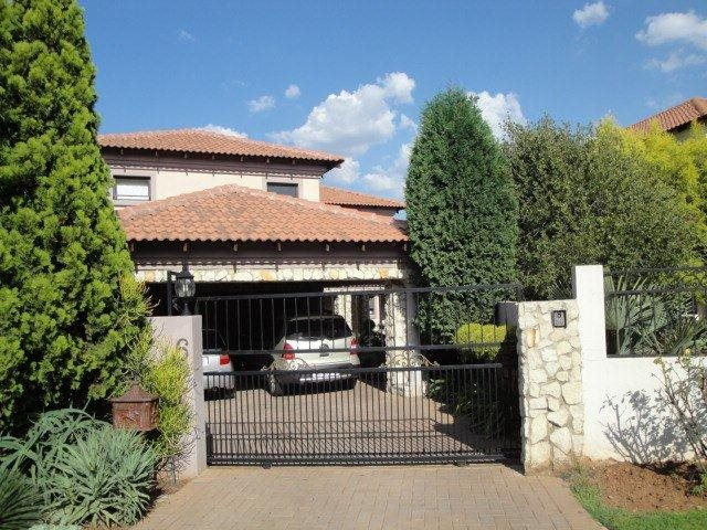 Property and Houses to rent in Centurion Golf Estate, House, 3 Bedrooms - ZAR , 21,00*,M