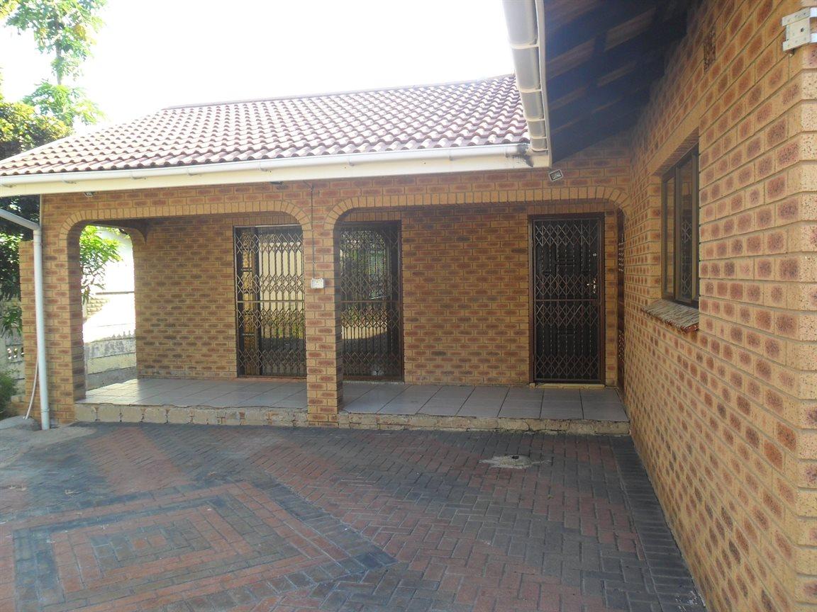 Umzinto, Umzinto Property    Houses For Sale Umzinto, Umzinto, House 5 bedrooms property for sale Price:990,000