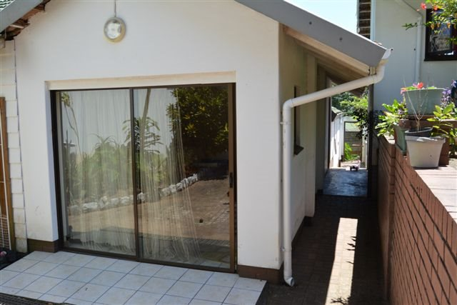 Uvongo property for sale. Ref No: 12775609. Picture no 24