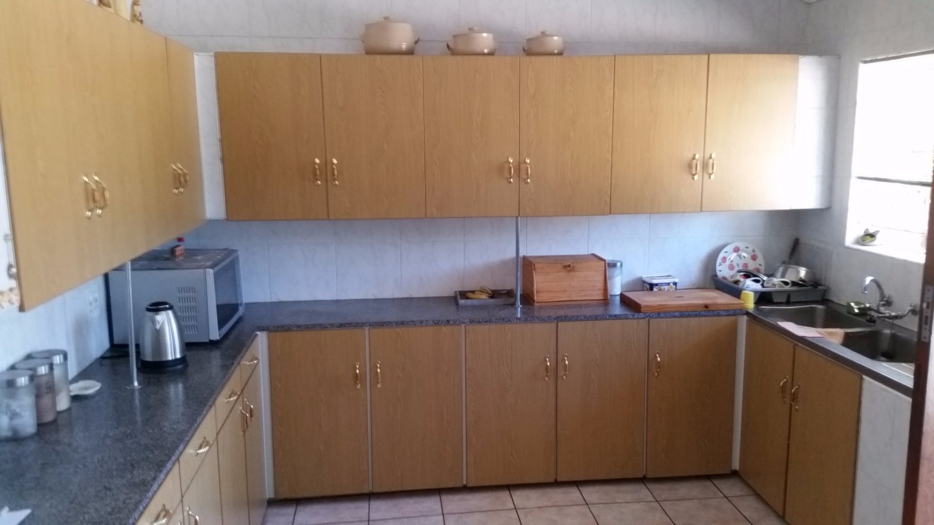 Bootha A H property for sale. Ref No: 13528103. Picture no 9