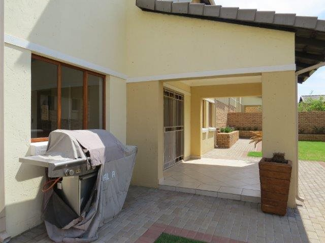 Eldo View property for sale. Ref No: 13548557. Picture no 2