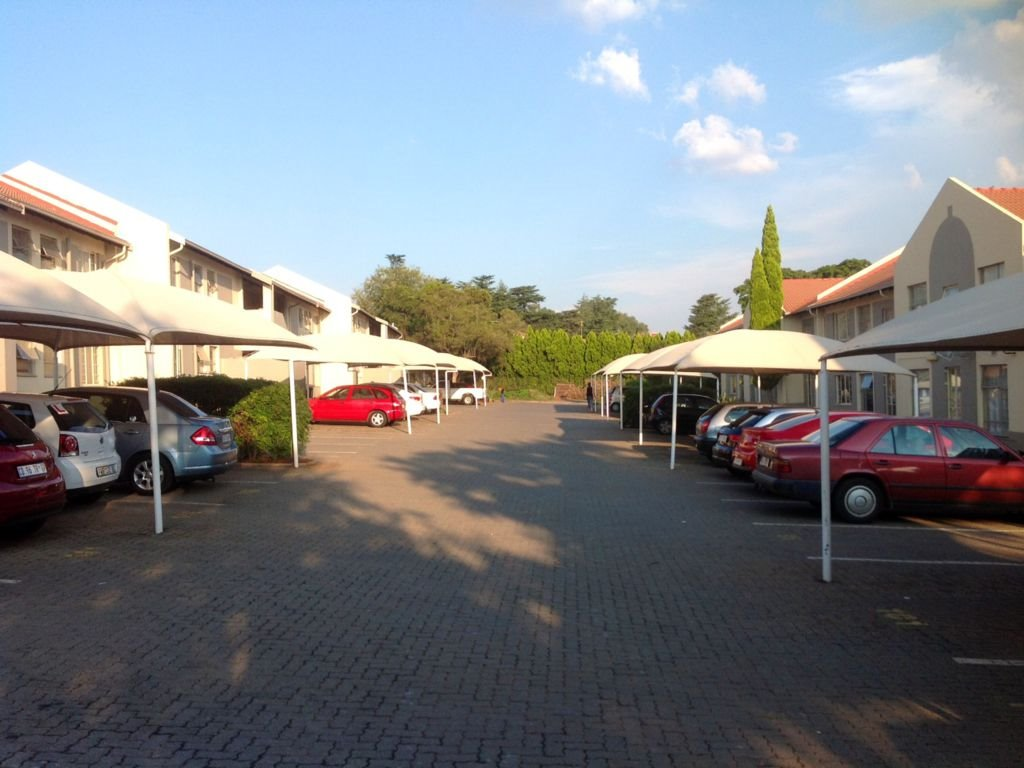 Die Hoewes property for sale. Ref No: 13332537. Picture no 8
