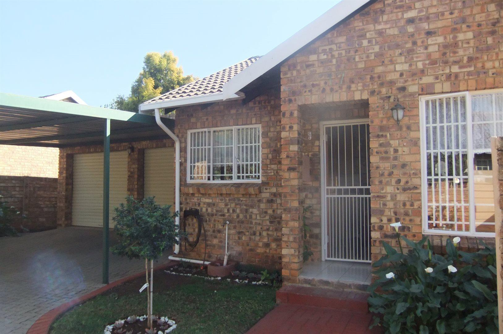 Pretoria, Pretoria Property  | Houses For Sale Pretoria, Pretoria, Townhouse 3 bedrooms property for sale Price:1,200,000
