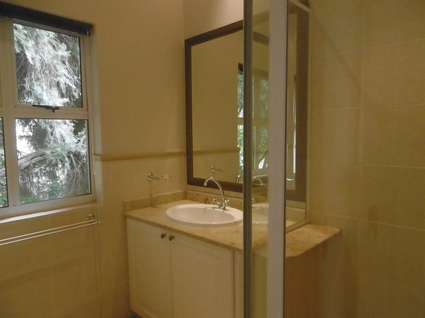 River Club property to rent. Ref No: 13552407. Picture no 25