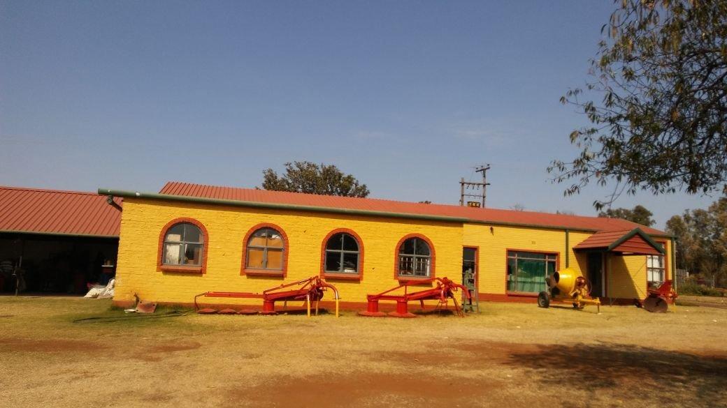 Krugersdorp, Tarlton Property    Houses For Sale Tarlton, Tarlton, Farms 3 bedrooms property for sale Price:3,700,000
