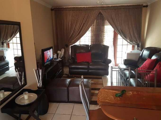 Pretoria, Heatherview Property  | Houses For Sale Heatherview, Heatherview, Apartment 2 bedrooms property for sale Price:695,000