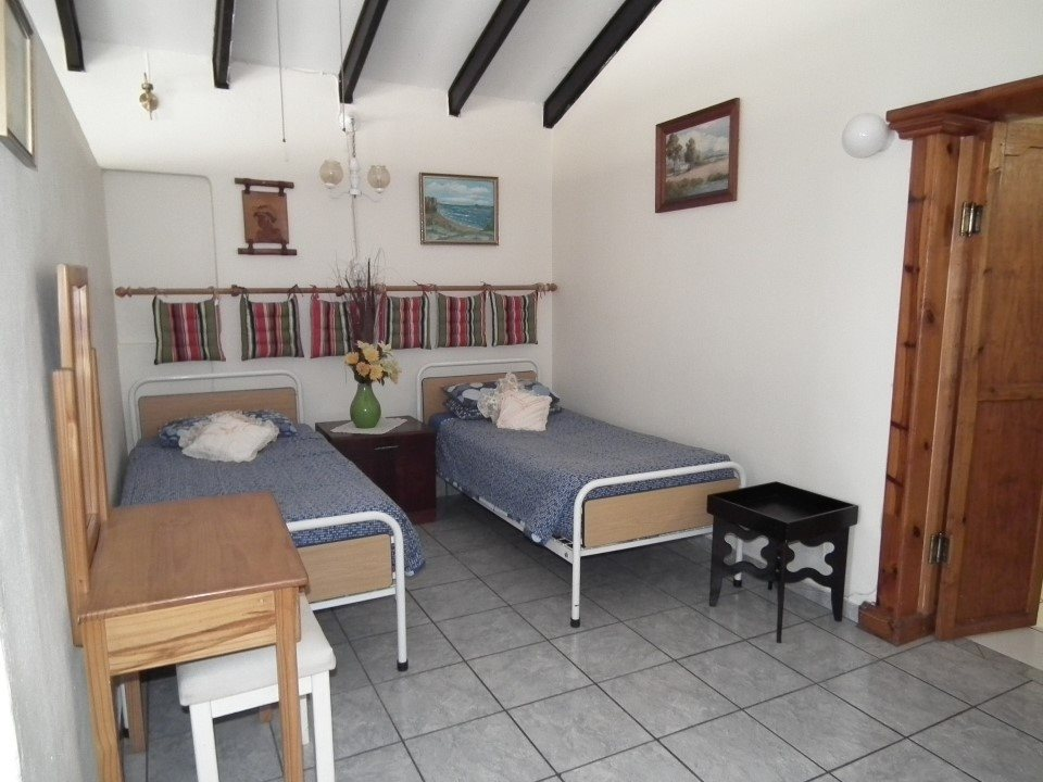 Margate property for sale. Ref No: 13362462. Picture no 16
