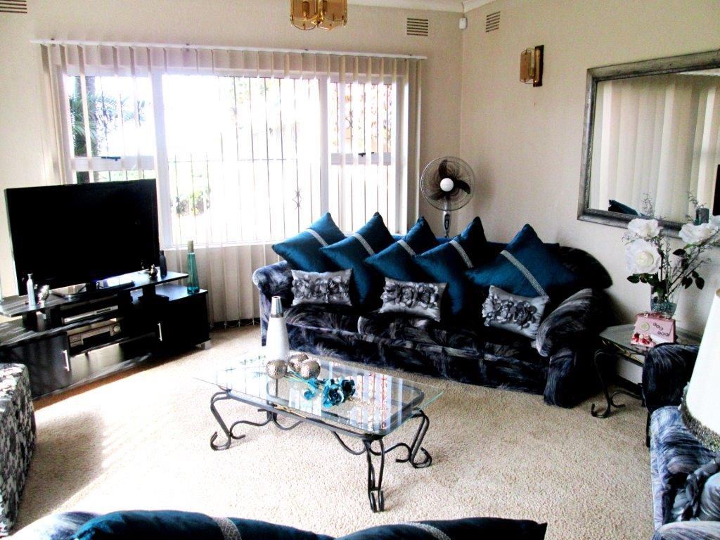 Shelly Beach property for sale. Ref No: 12792074. Picture no 10