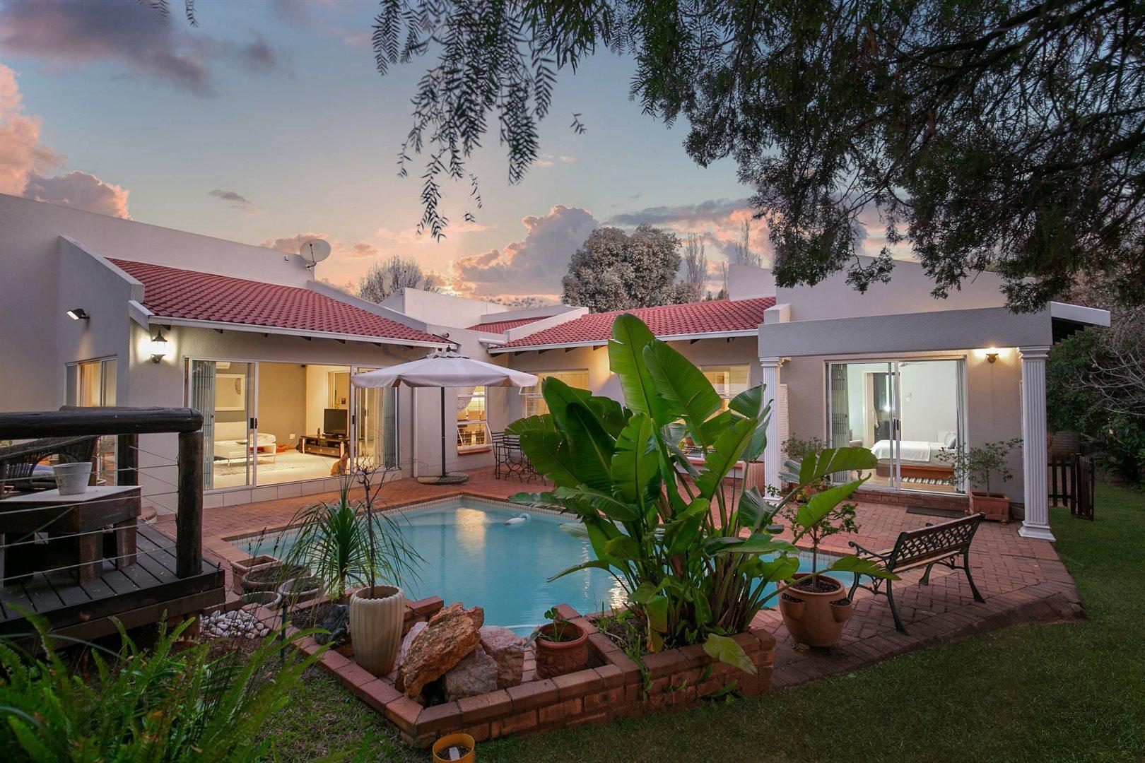 Sandton, Douglasdale Property  | Houses For Sale Douglasdale, Douglasdale, House 3 bedrooms property for sale Price:2,599,000