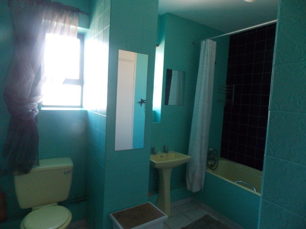 Amanzimtoti property for sale. Ref No: 13355728. Picture no 41