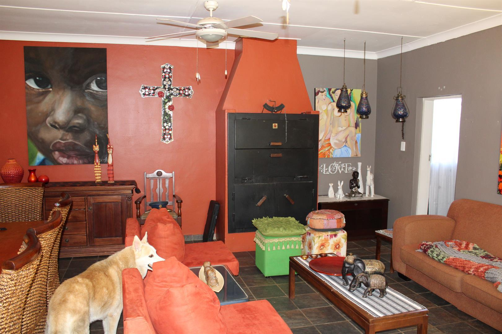 Potchefstroom property for sale. Ref No: 13433840. Picture no 2