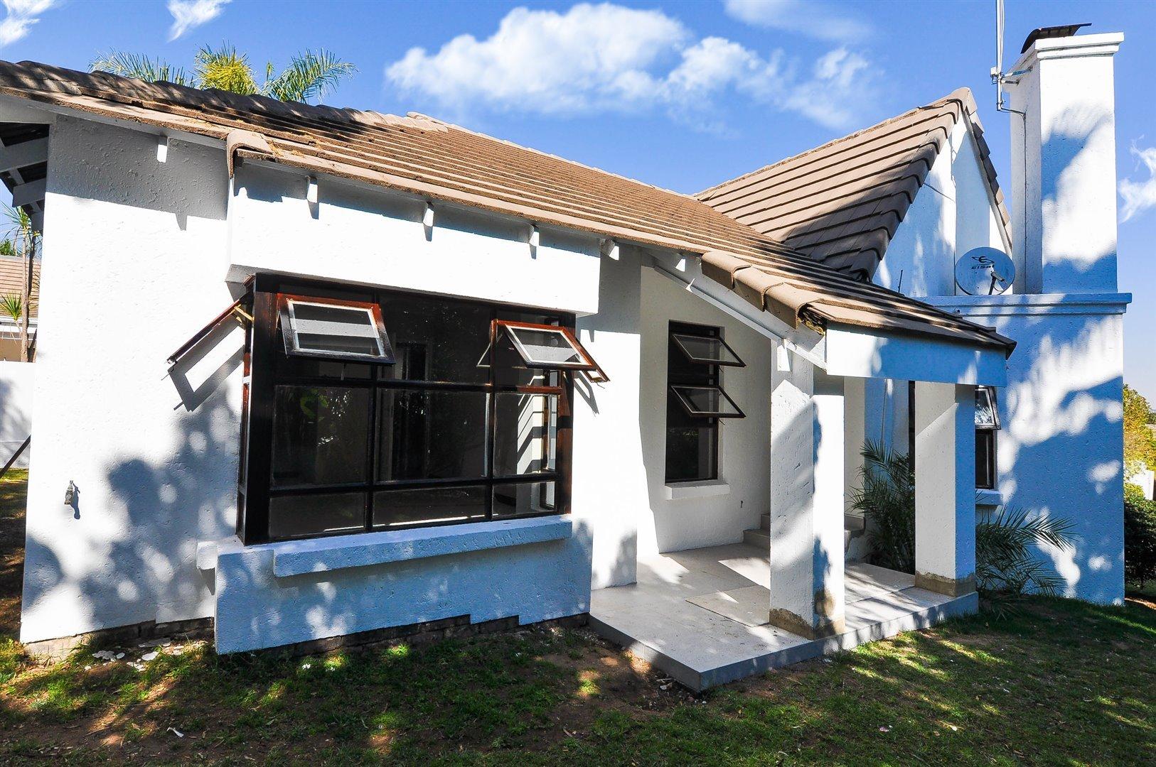 Sandton, Douglasdale Property    Houses To Rent Douglasdale, Douglasdale, House 3 bedrooms property to rent Price:, 13,00*