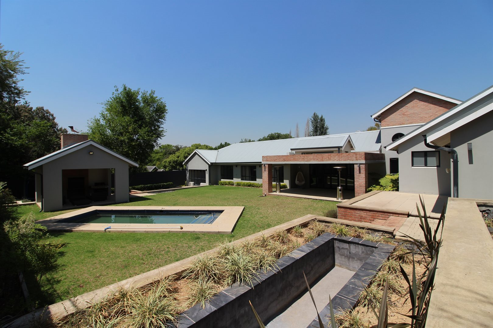 Property and Houses to rent in Bryanston, House, 5 Bedrooms - ZAR , 50,00*,M