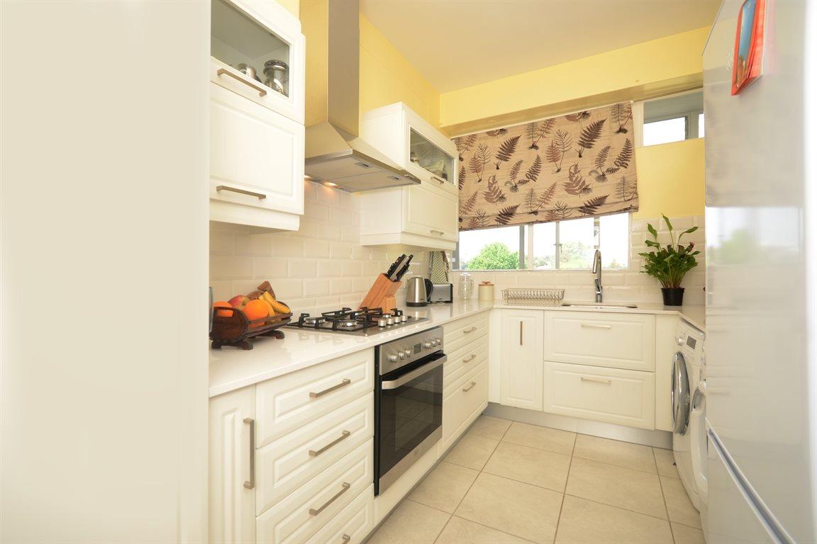 Illovo property for sale. Ref No: 13390504. Picture no 3
