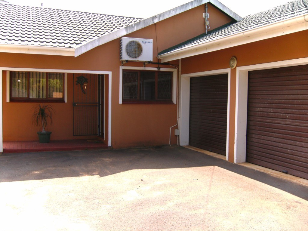 Umtentweni property for sale. Ref No: 12733198. Picture no 18