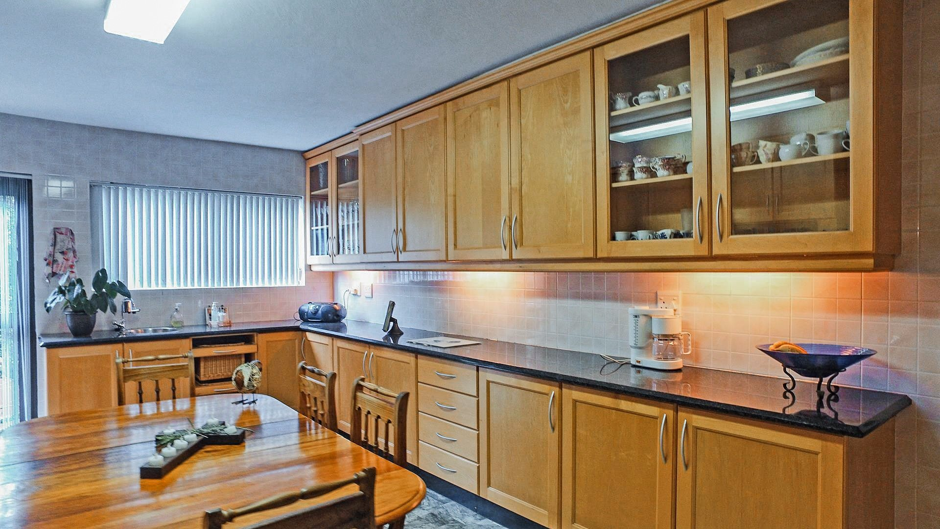 Northcliff property for sale. Ref No: 13537074. Picture no 3